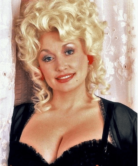 """Dolly Parton in a tbt photo during the 1982 movie"""" The Best Little Whorehouse in Texas""""   Source: Instagram/Dolly Parton"""