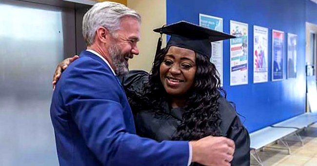 44-Year-Old Single Mother of 3 Graduated from College Thanks to One of Her Uber Passengers