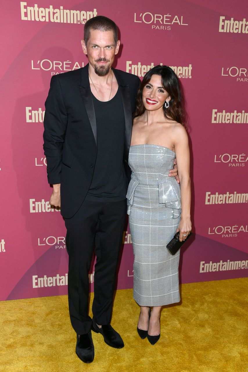 Steve Howey and Sarah Shahi attend the 2019 Entertainment Weekly Pre-Emmy Party at Sunset Tower on September 20, 2019 in Los Angeles, California. | Source: Getty Images