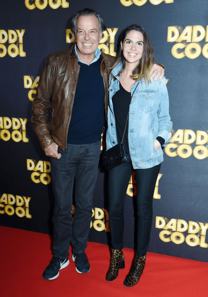 "Le comédien Michel Leeb et sa fille Fanny Leeb assistent à la première parisienne de ""Daddy Cool"" à l'UGC Cine Cite Bercy le 26 octobre 2017 à Paris, France. 
