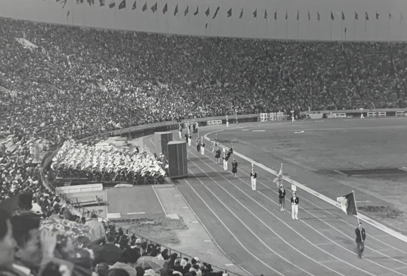 Tokyo Olympic Closing Ceremony 1964 | Source: Wikimedia Commons