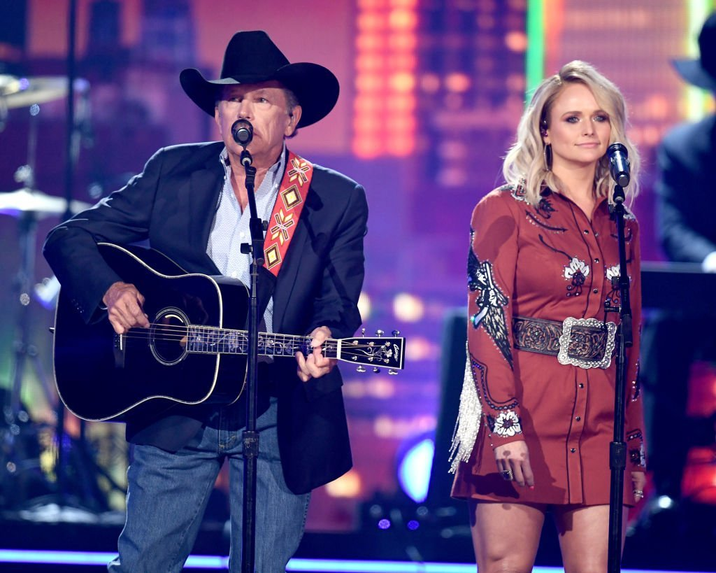 """George Strait and Miranda Lambert perform """"Run"""" at the 2019 ACM Awards 