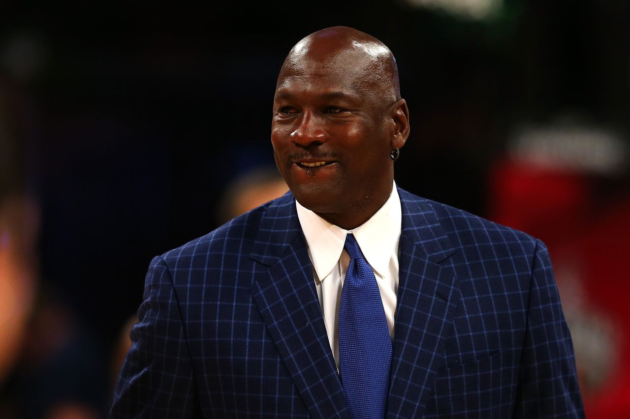 Michael Jordan walks off the court during the NBA All-Star Game 2016 at the Air Canada Centre on February 14, 2016 in Toronto, Ontario | Photo: Getty Images