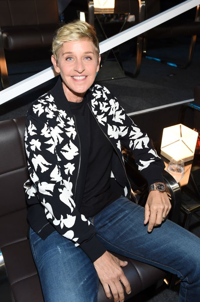 Ellen DeGeneres attends the 2017 MTV Video Music Awards at The Forum | Photo: Getty Images