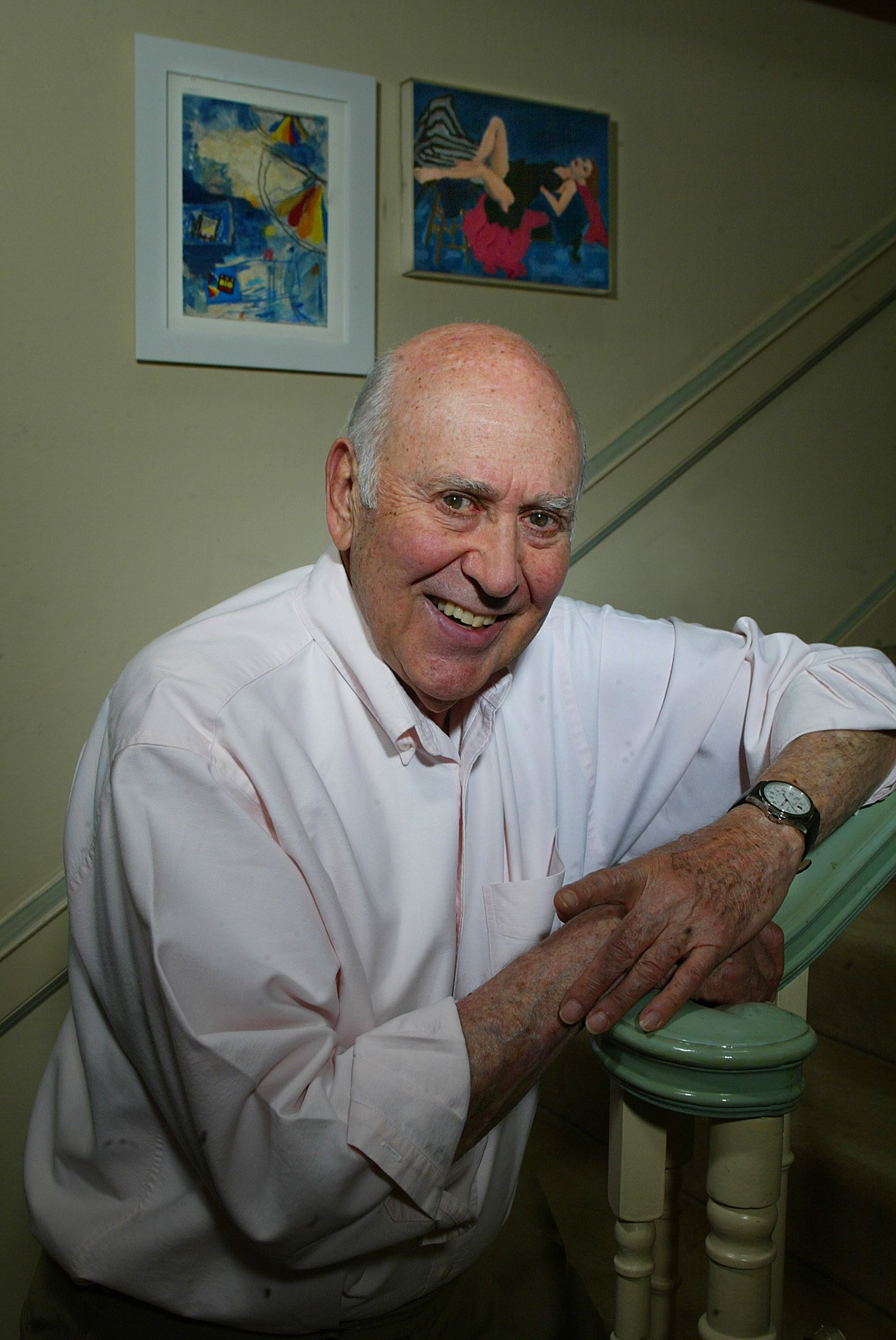 Carl Reiner at his Beverly Hills home, April 25, 2003. | Source: Getty Images.