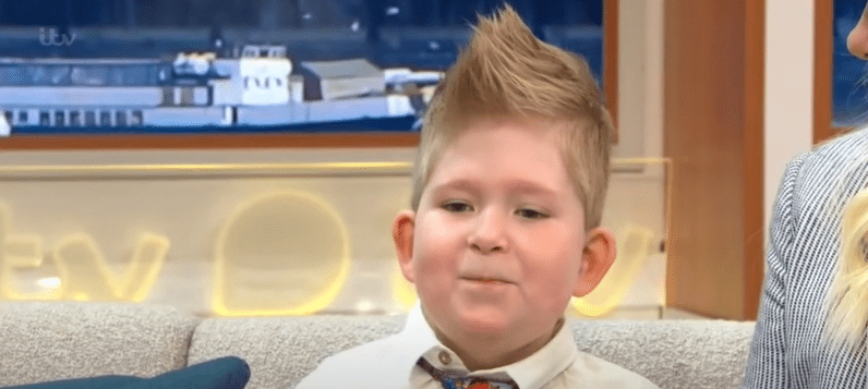 Noah Wall  on set of a TV show   Photo: Youtube /  Good Morning Britain