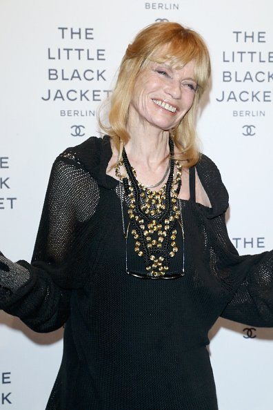 Veruschka von Lehndorff, CHANEL The Little Black Jacket - Exhibition Opening, 2012 | Quelle: Getty Images