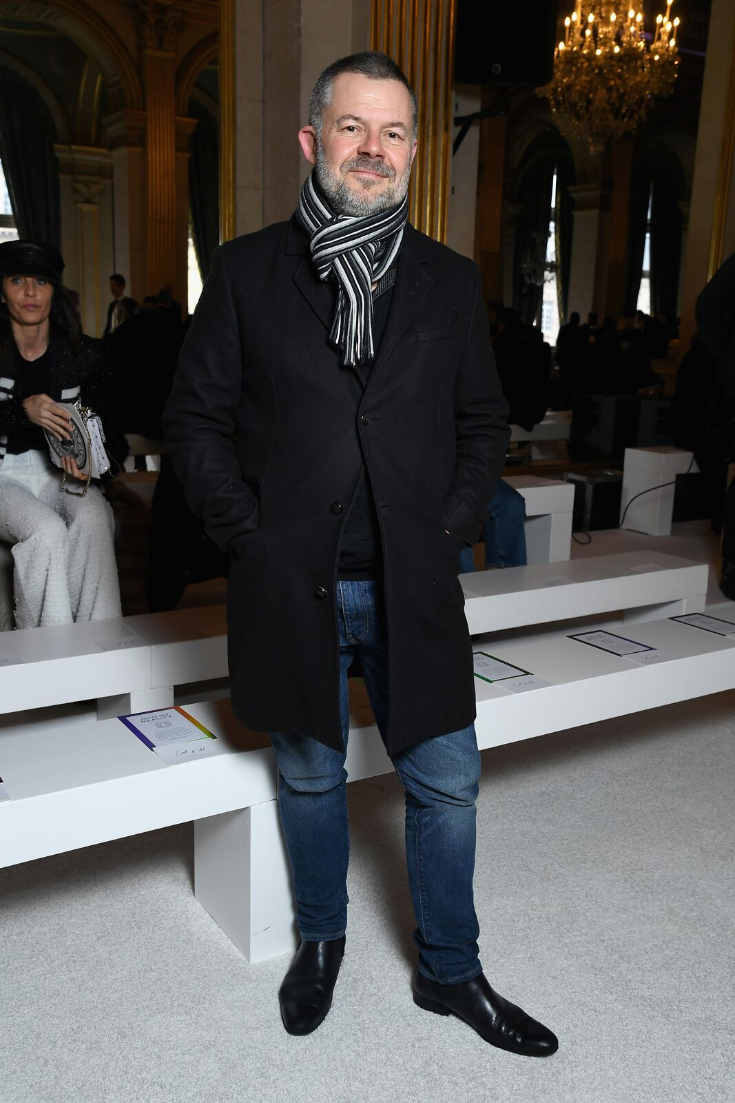 Eric Naulleau assiste au défilé Balmain dans le cadre de la Fashion Week de Paris Automne / Hiver 2018/2019 à Paris, France. | Photo : Getty Images