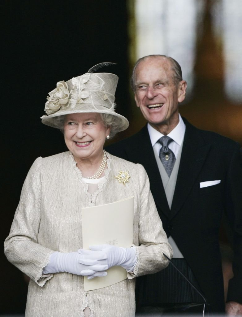 Queen Elizabeth II and Prince Philip arrive at St Paul's Cathedral on June 15, 2006 in London, England | Photo: Getty Images