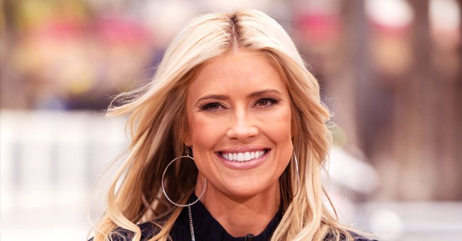 Christina Anstead from 'Flip or Flop' Beams as She Poses in Rare Group Photo with Her Blended Family-Of-Seven and Their Dog