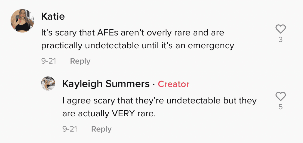 Netizens comment on Summers' complicated birth experience and surviving AFE. | Photo: tiktok.com/thebirthtrauma_mama