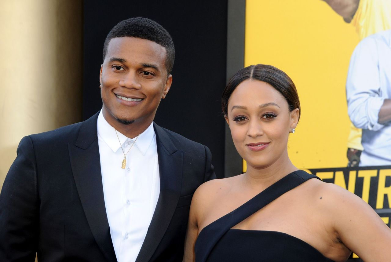 """Cory Hardrict and actress Tia Mowry during the premiere of Warner Bros. Pictures' """"Central Intelligence"""" held at Westwood Village Theatre on June 10, 2016 in Westwood, California. 