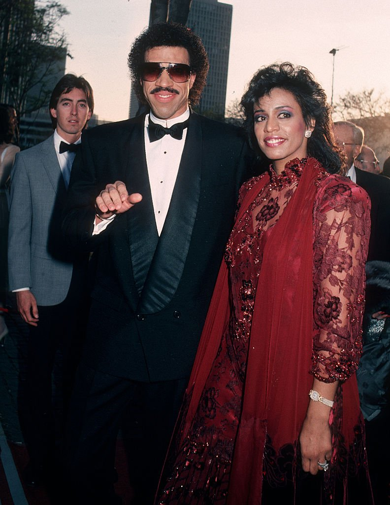 Musician Lionel Richie and Brenda Harvey attend the 58th Annual Academy Awards on March 24, 1986 | Photo: Getty Images