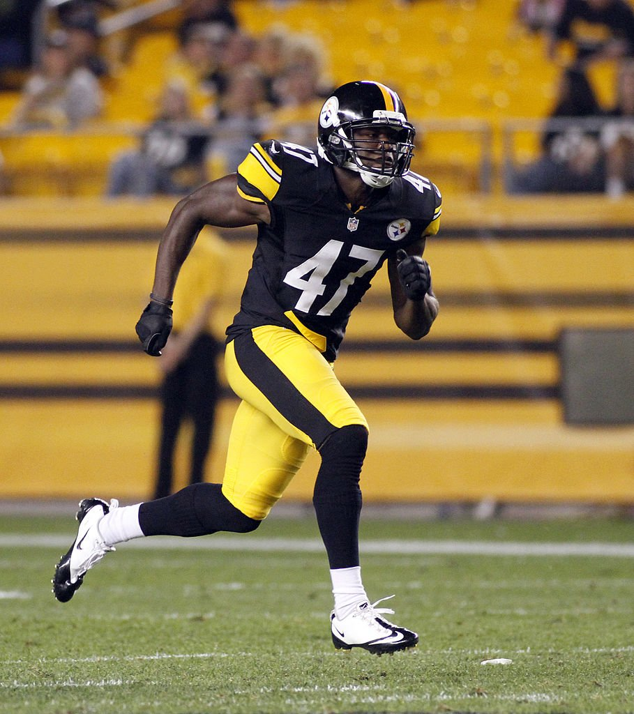 Myron Rolle #47 of the Pittsburgh Steelers runs against the Indianapolis Colts during the game on August 19, 2012    Photo: Getty Images