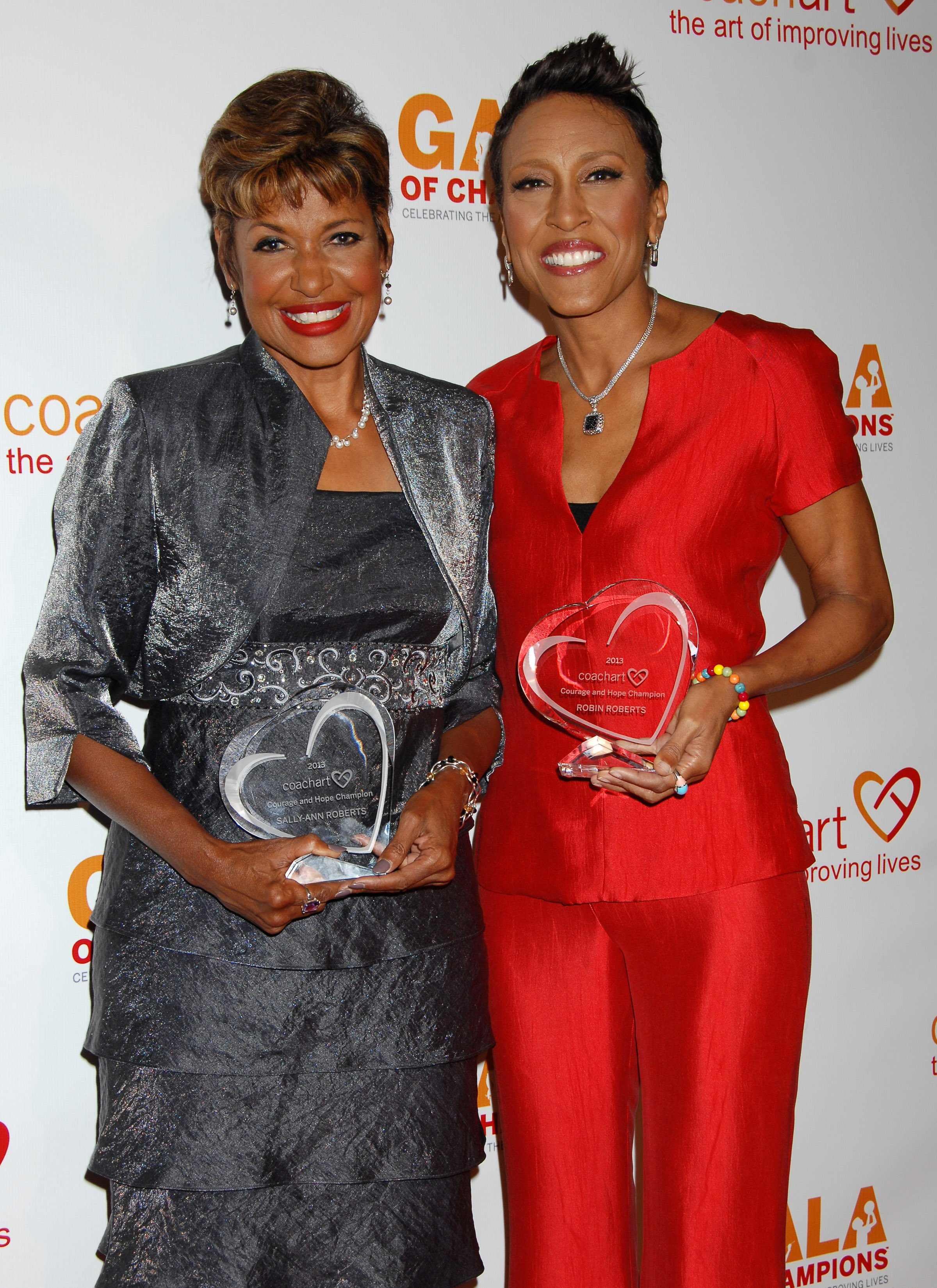 Sally-Ann Roberts and Robin Roberts attend the CoachArt Gala of Champions at The Beverly Hilton Hotel on October 17, 2013 | Photo: Shutterstock
