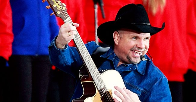 Garth Brooks Will Perform at Largest Ever One-night Show at 300 Drive-in Theaters in the Us