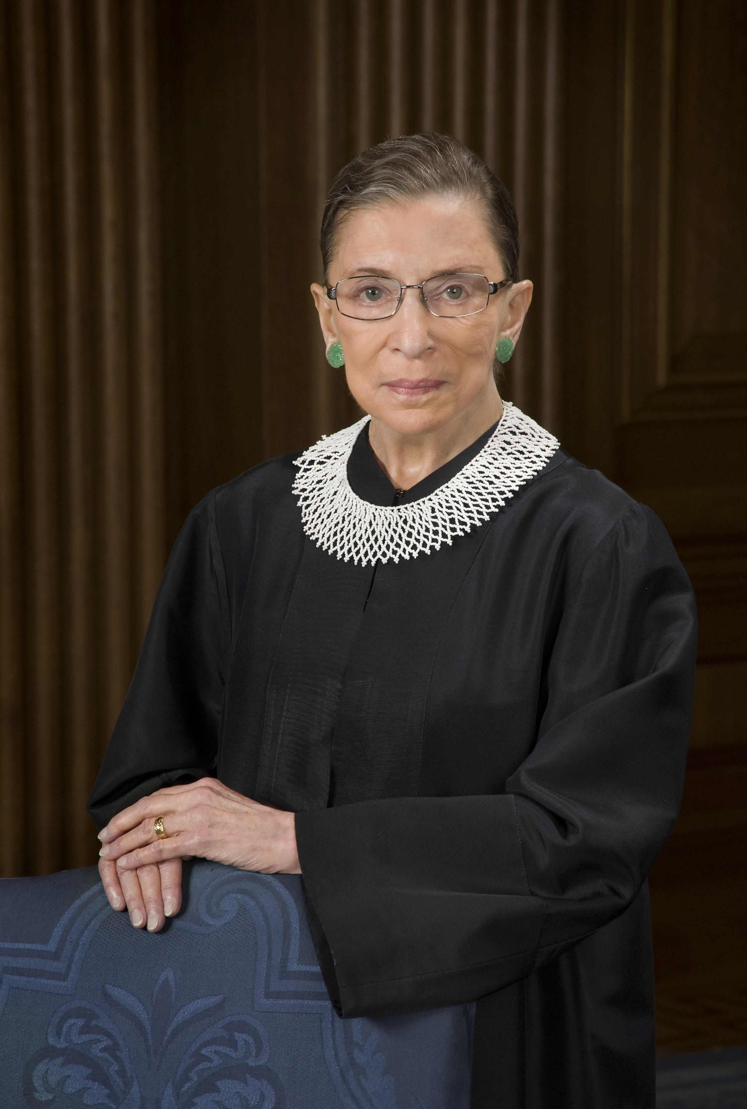 Supreme Court Justice Ruth Bader Ginsburg poses for a portrait photo on October 8, 2010 | Photo: Getty Images