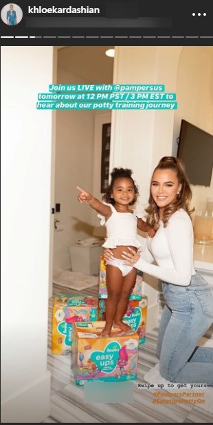 Khloe Kardashian and her daughter True Thompson smiling as they advertise Pampers | Photo: Instagram/khloekardashian