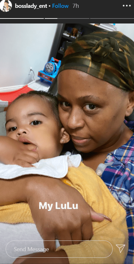 Shante Broadus, Snoop Dogg's wife. shares a barefaced selfie with her grandchild on Instagram | Photo: Instagram/bosslady_ent