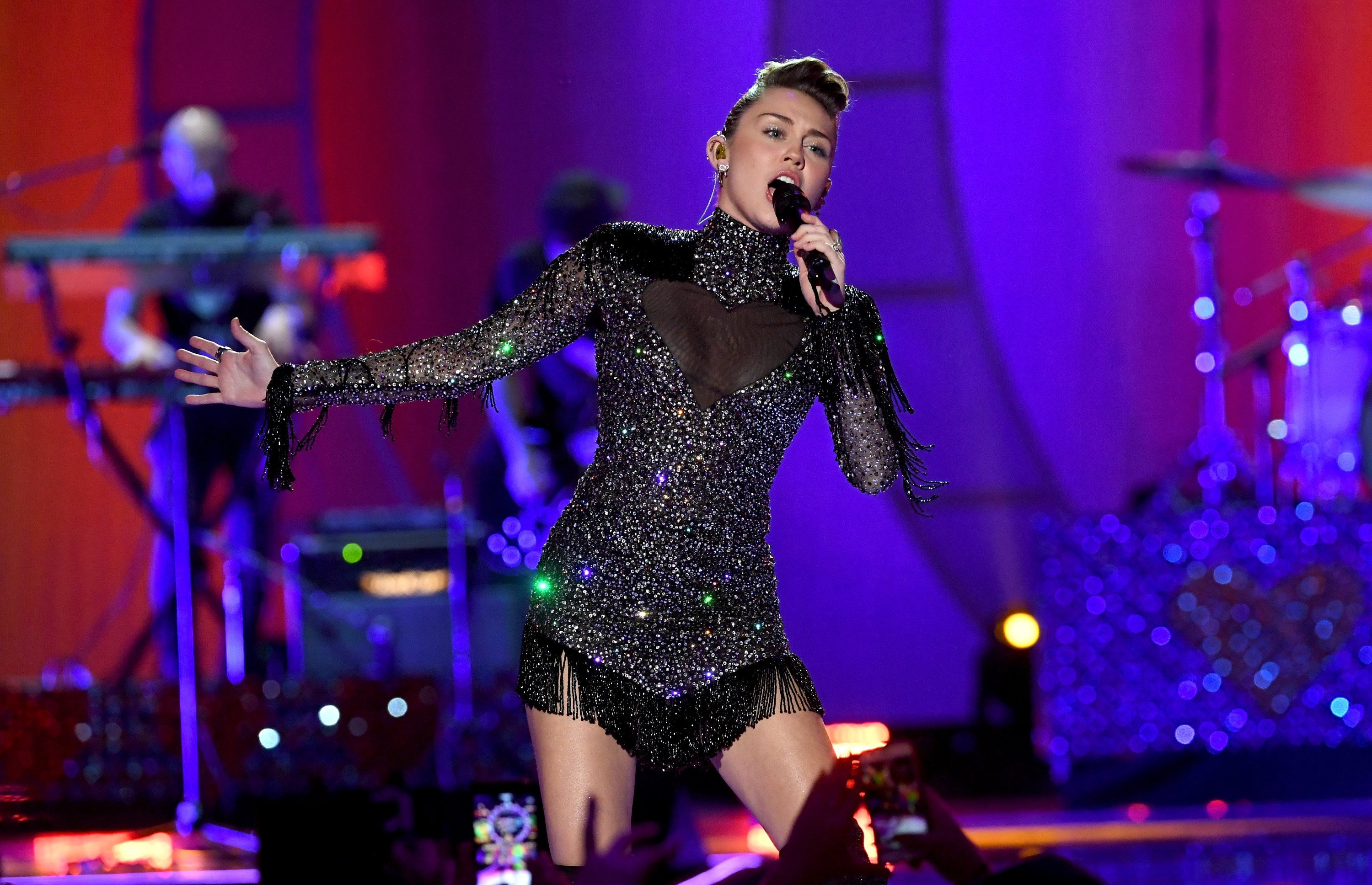 Miley Cyrus performs onstage during the 2017 iHeartRadio Music Festival at T-Mobile Arena on September 23, 2017, in Las Vegas, Nevada.   Source: Getty Images.