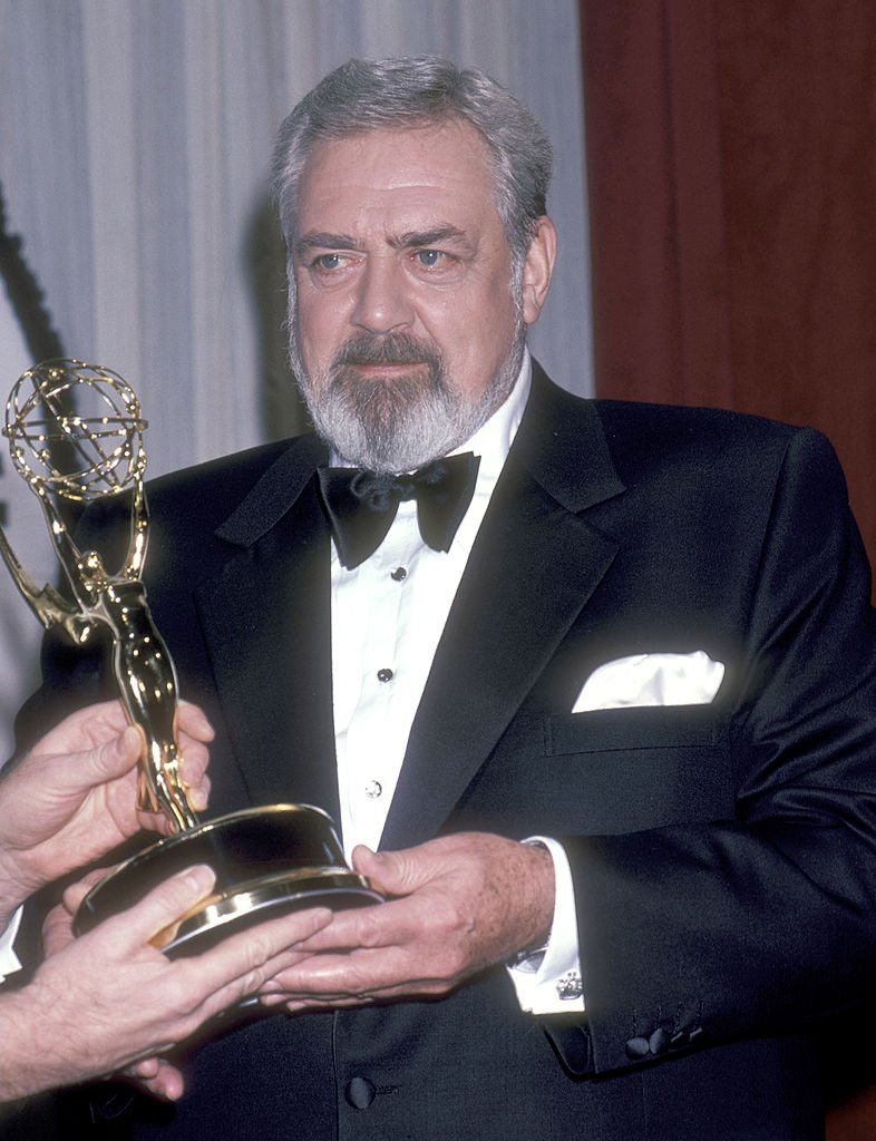 Raymond Burr attends the 13th Annual International Emmy Awards on November 25, 1985 at Sheraton Centre Hotel in New York City | Photo: Getty Images