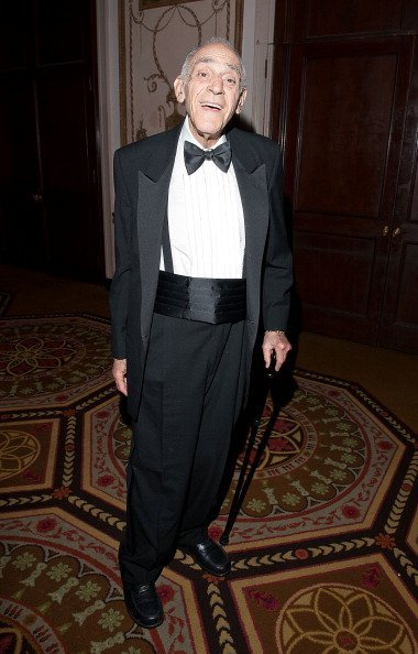 Abe Vigoda attends the 2011 Friars Foundation Applause Award Gala at The Waldorf=Astoria on June 6, 2011, in New York City. | Source: Getty Images.