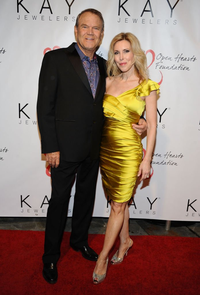 Glen Campbell and Kim Campbell attend Jane Seymour's 2nd annual Open Hearts Foundation Celebration held at a private residency on April 21, 2012 in Malibu, California. | Photo: Getty Images.
