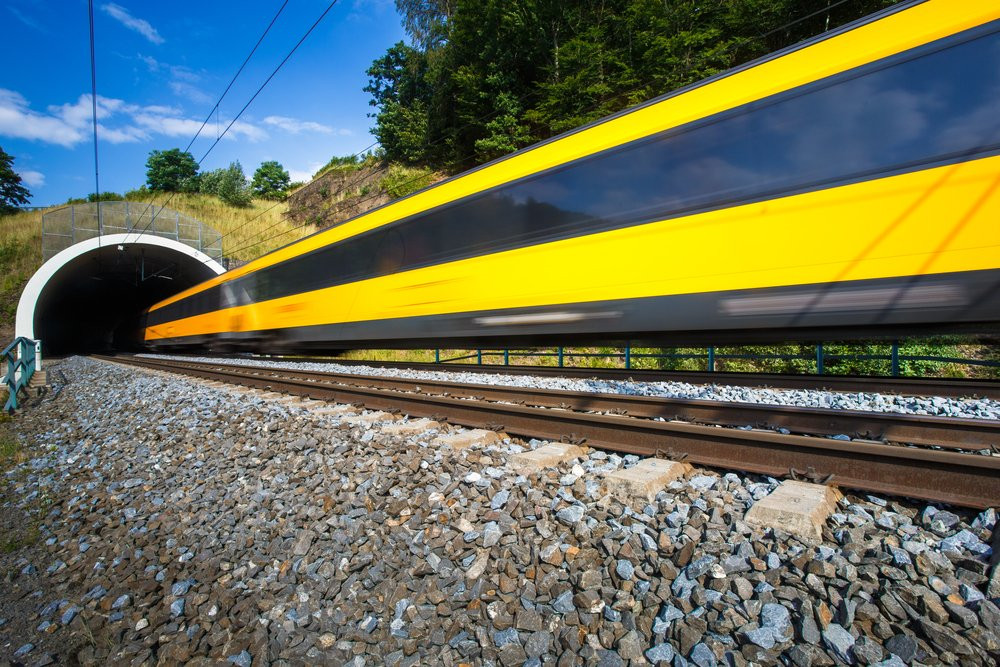 A photo of a fast train passing through a tunnel. | Photo: Shutterstock.