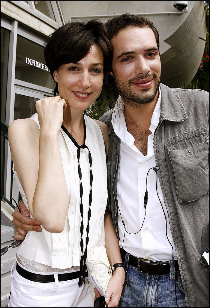 Elsa Zylberstein et Nicolas Bedos à Paris, France le 10 juin 2007. | Photo : Getty Images