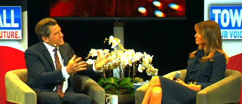 Melania Trump und Eric Bolling im Interview | Quelle: YouTube/FOX26