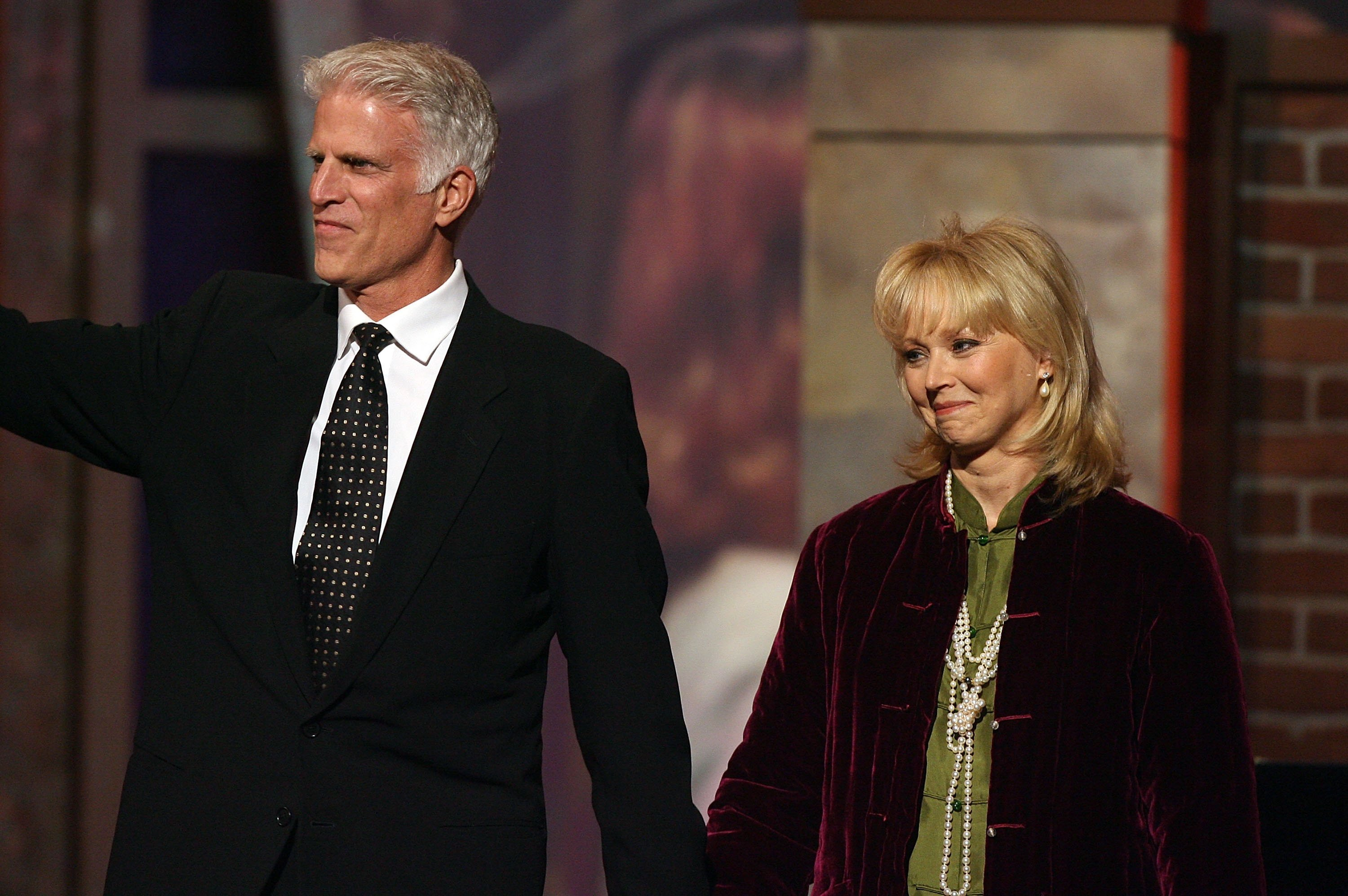 Ted Danson and Shelley Long at the Barker Hangar on March 19, 2006 | Photo: Getty Images