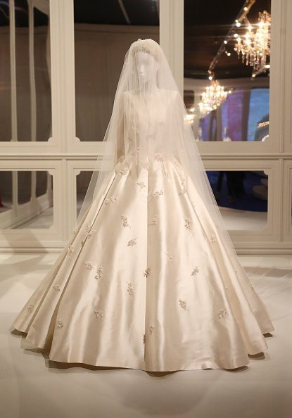 Miranda Kerr's custom-made wedding dress | Photo: Getty Images