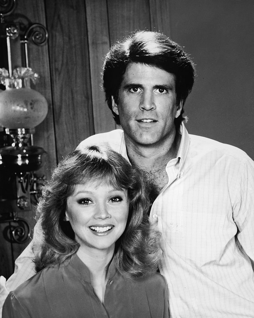 Promotional portrait of American actors Ted Danson and Shelley Long from the TV series, 'Cheers,' 1982 | Photo: GettyImages