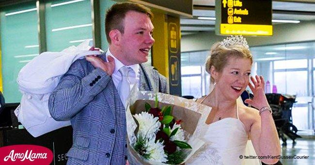 Un couple qui s'est connu en ligne se marie quelques heures après sa première rencontre en personne le jour de Noël
