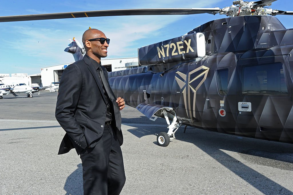 Kobe Bryant walking up to the Sikorsky S-76 helicopter on his way to his last game on April 13, 2016 | Getty Images