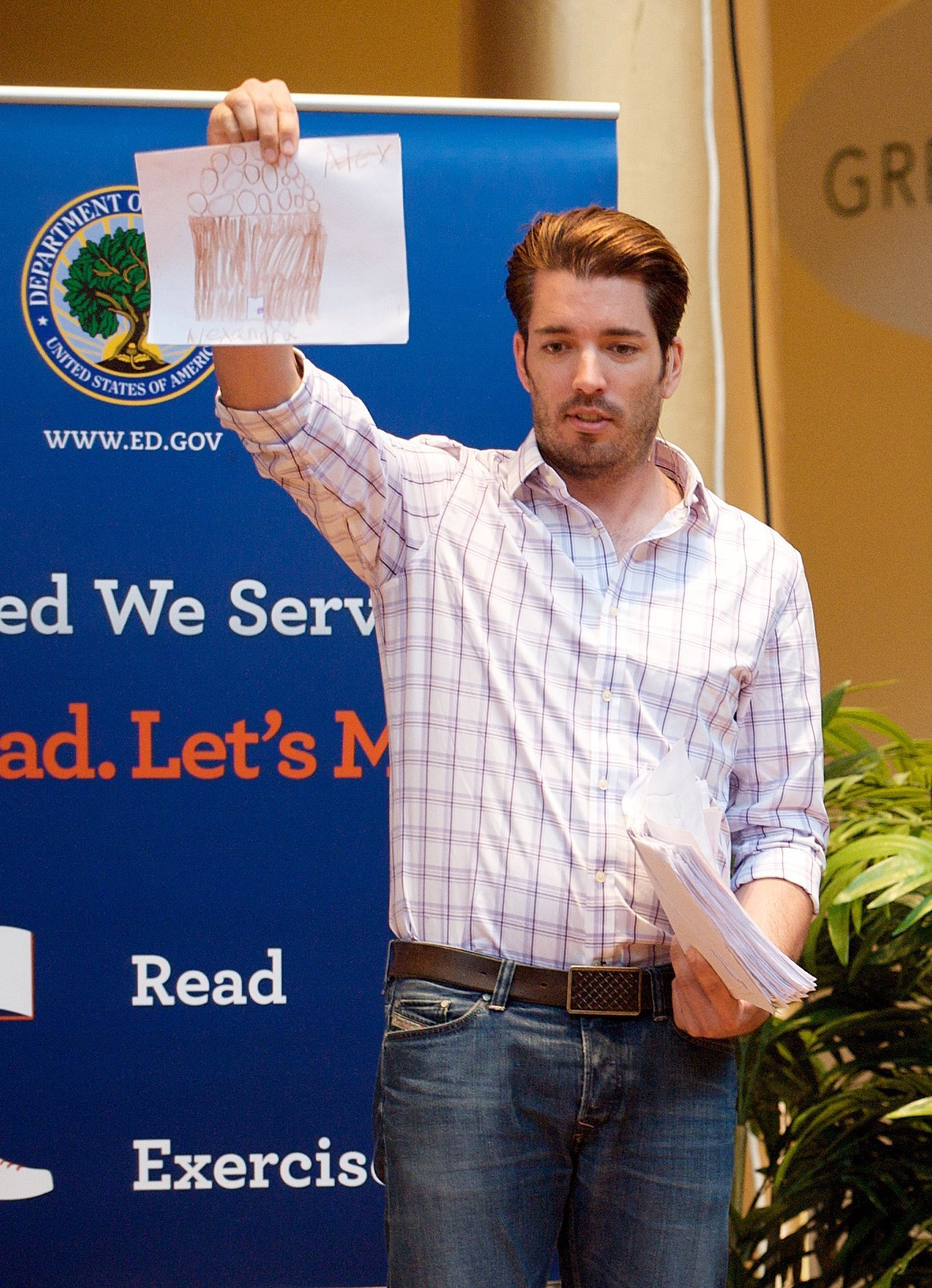 Jonathan Scott at the United We Serve Let's Read. Let's Move event on August 6, 2013. | Source: Wikimedia Commons