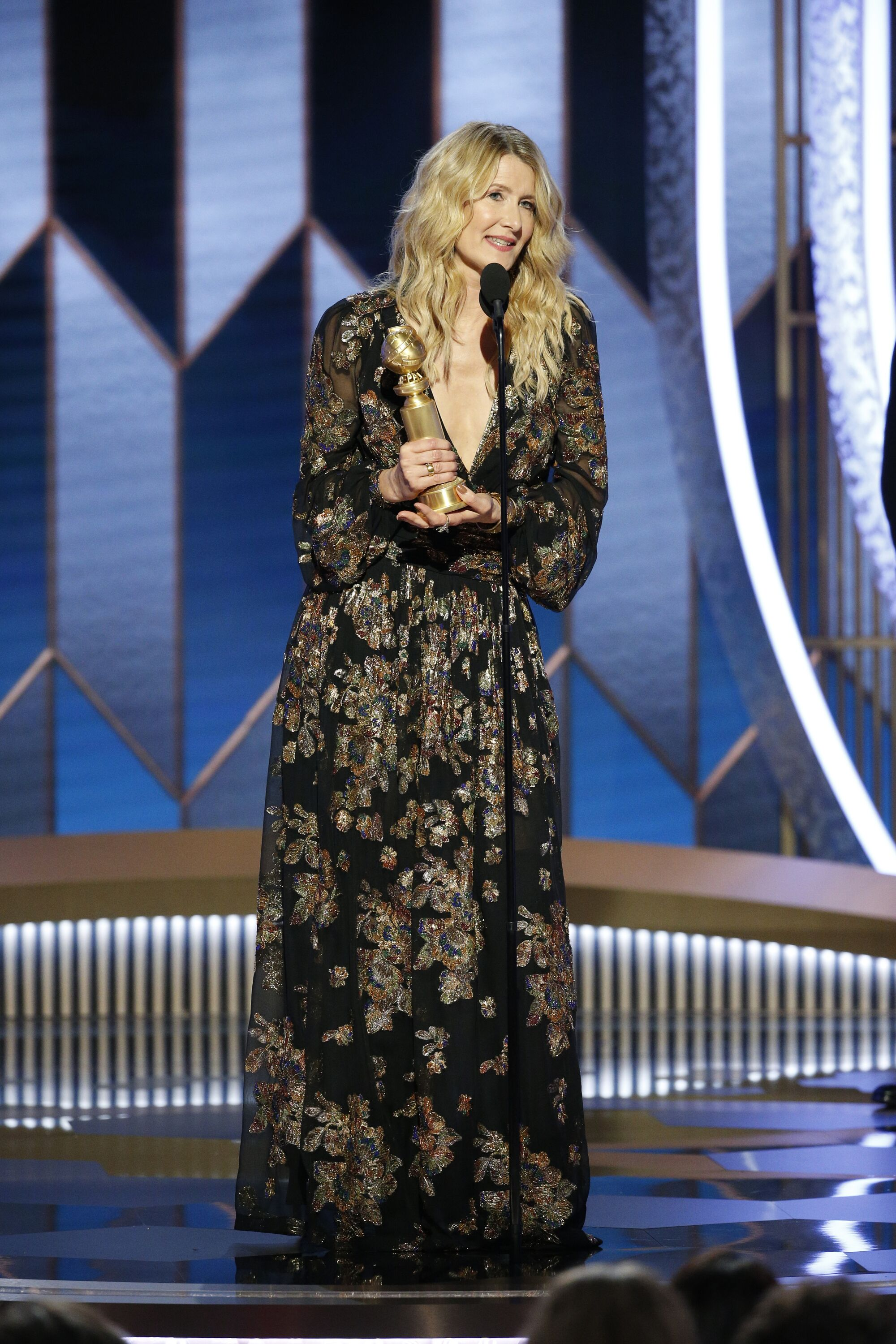 Laura Dern on stage at the 77th Annual Golden Globe Awards on January 5, 2020. |  Photo: Paul Drinkwater / Getty Images