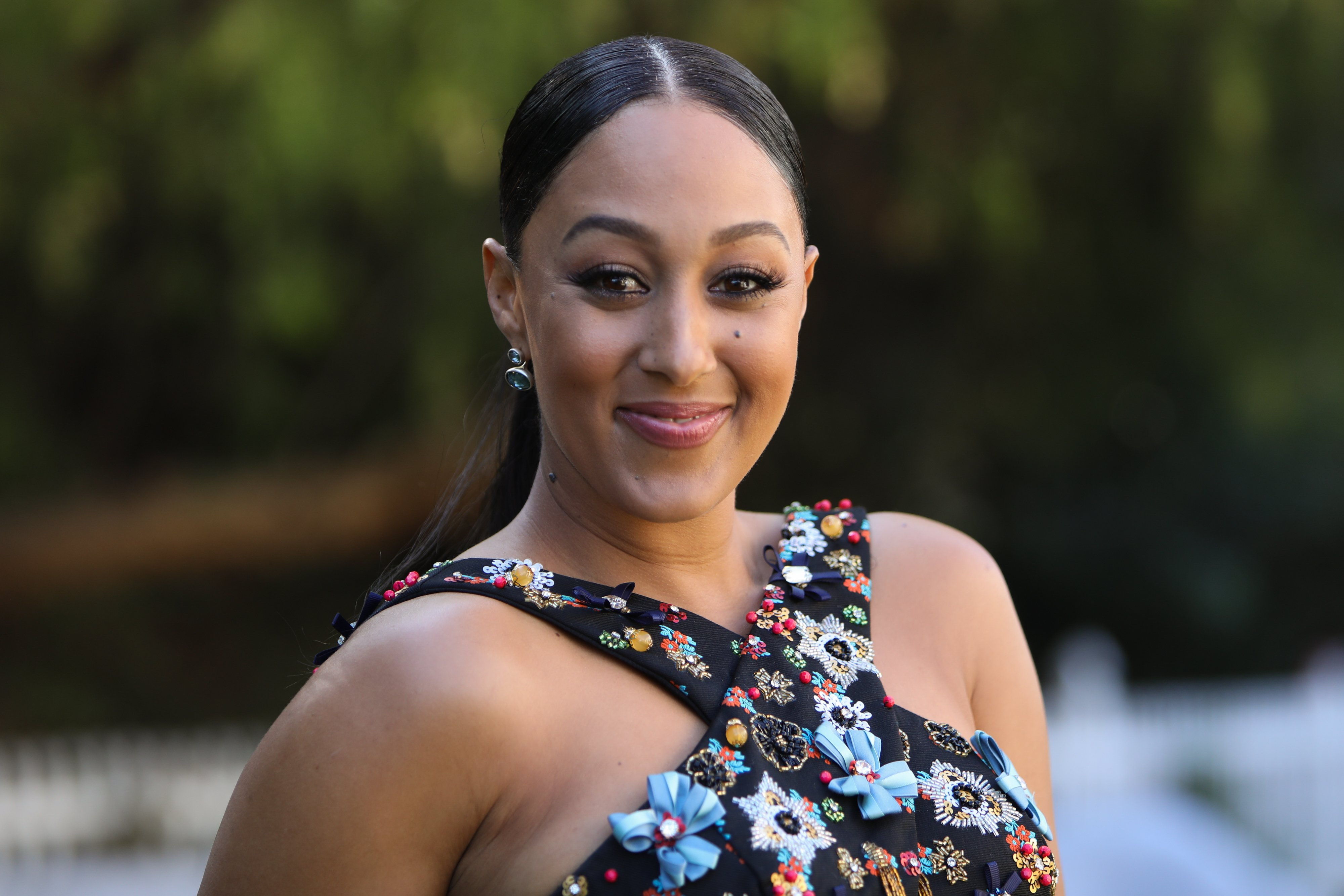 Tamera Mowry-Housley pictured at Universal Studios Hollywood on November 07, 2019 in Universal City, California. | Source: Getty Images
