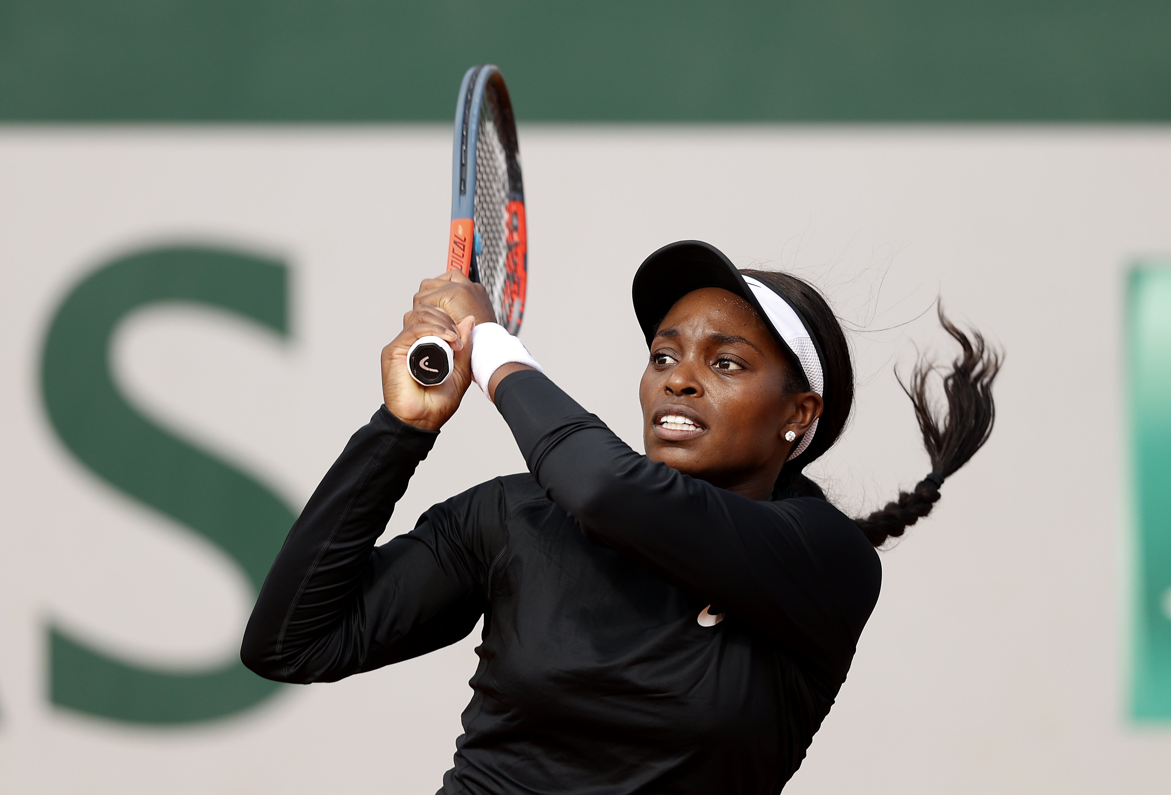 Sloane Stephens plays during the  2020 French Open at Roland Garros on October 01, 2020 in Paris, France. | Source: Getty Images