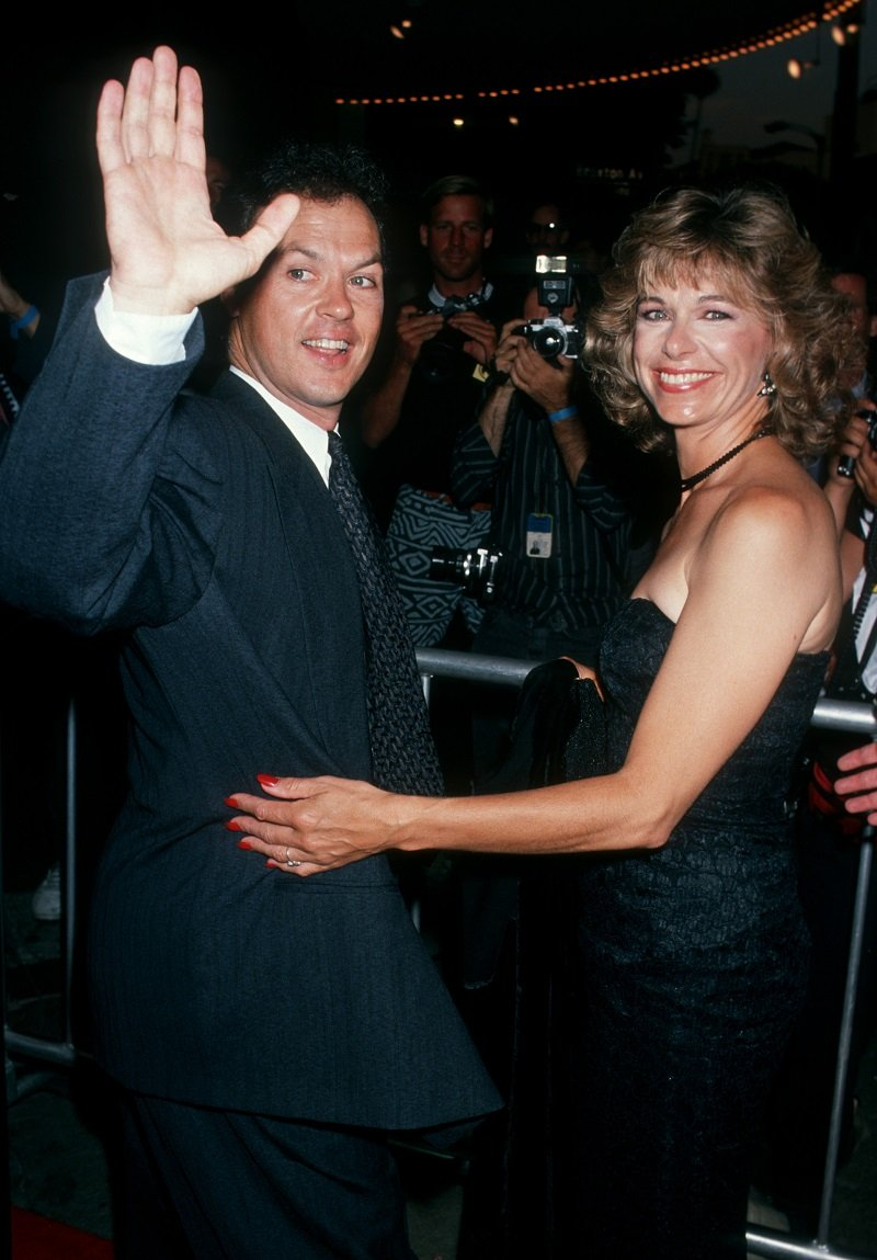 Michael Keaton and wife Caroline McWilliams on June 19, 1989 at Mann Bruin Theater in Westwood, California | Photo: Getty Images