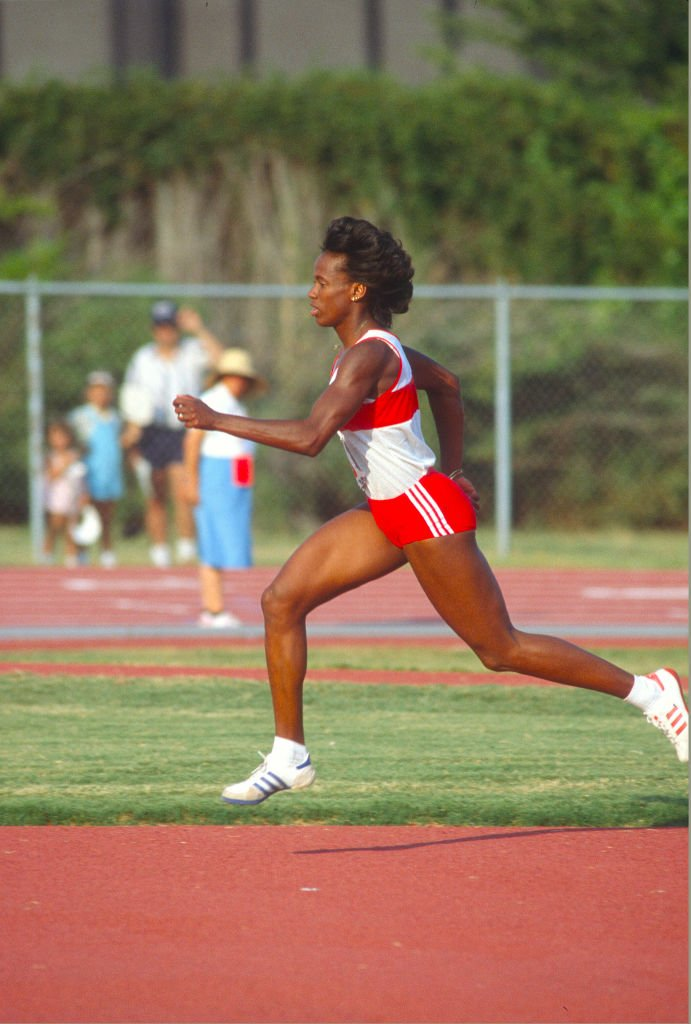 Jackie Joyner-Kersee at a track and field event in January 1, 1987. | Photo: Getty Images