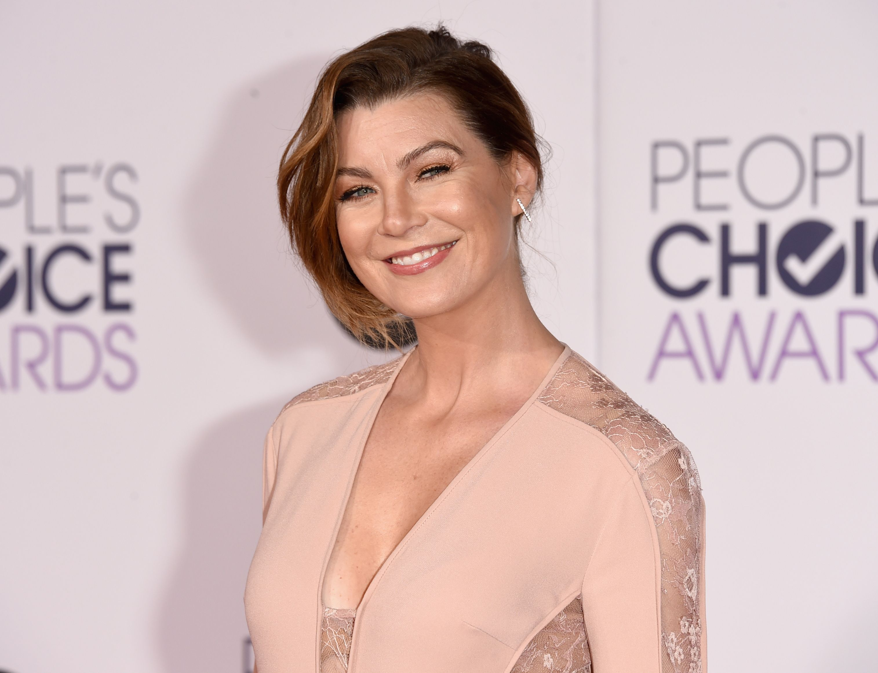 Ellen Pompeo at The 41st Annual People's Choice Awards at Nokia Theatre LA Live on January 7, 2015, in Los Angeles, California | Photo: Jason Merritt/Getty Images
