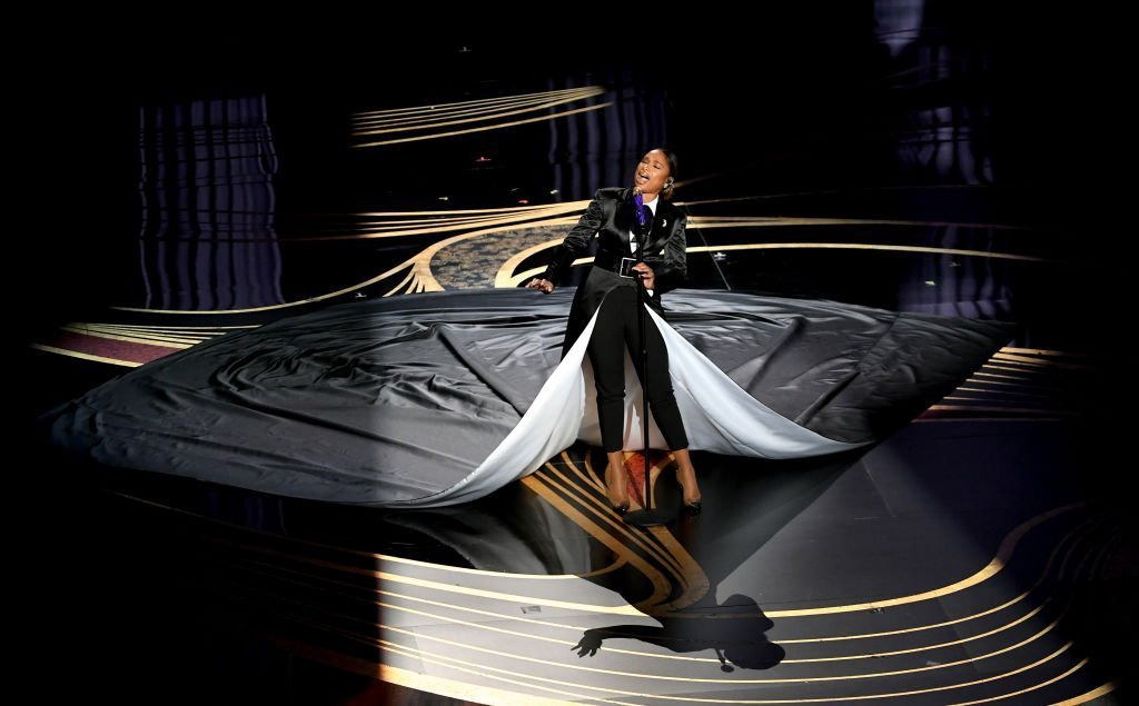 Jennifer Hudson singing onstage at this year's Academy Awards | Source: Getty Images / GlobalImagesUkraine