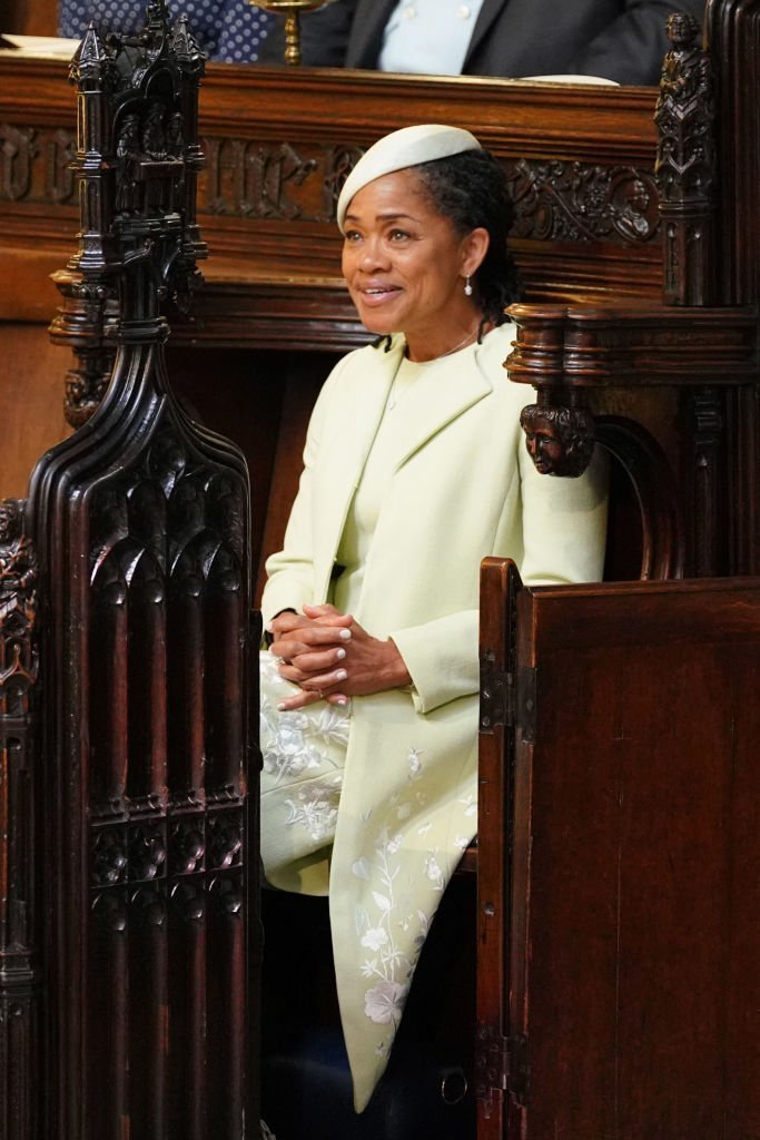 Doria Ragland takes her seat in St George's Chapel at Windsor Castle before the wedding of Prince Harry to Meghan Markle on May 19, 2018 | Photo: Getty Images