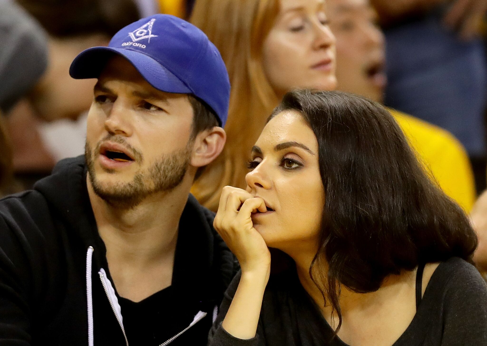 Ashton Kutcher und Mila Kunis, 2016 | Quelle: Getty Images