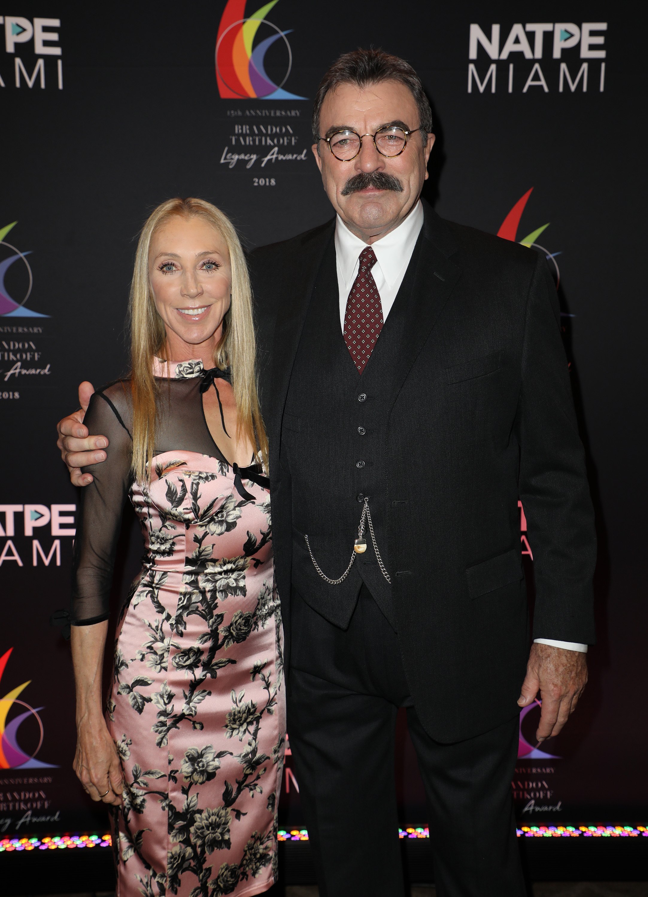 Jillie Mack and Tom Selleck are seen at the Brandon Tartikoff Legacy Awards at NATPE 2018 at the Fontainebleau Hotel on January 17, 2018 | Photo: GettyImages