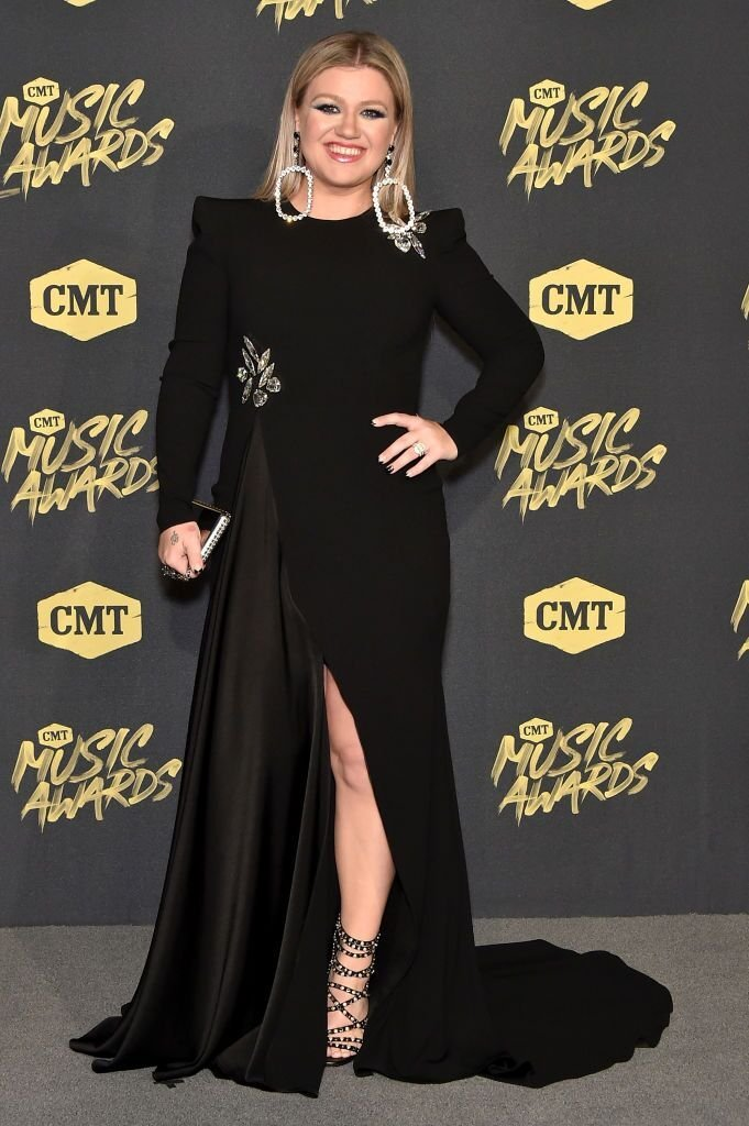 Kelly Clarkson attends the 2018 CMT Music Awards at Bridgestone Arena  | Getty Images