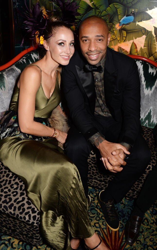 Andrea Rajacic et Thierry Henry participent à la Jungle Party chez Annabel le 28 septembre 2018 à Londres, en Angleterre. | Photo : Getty Images