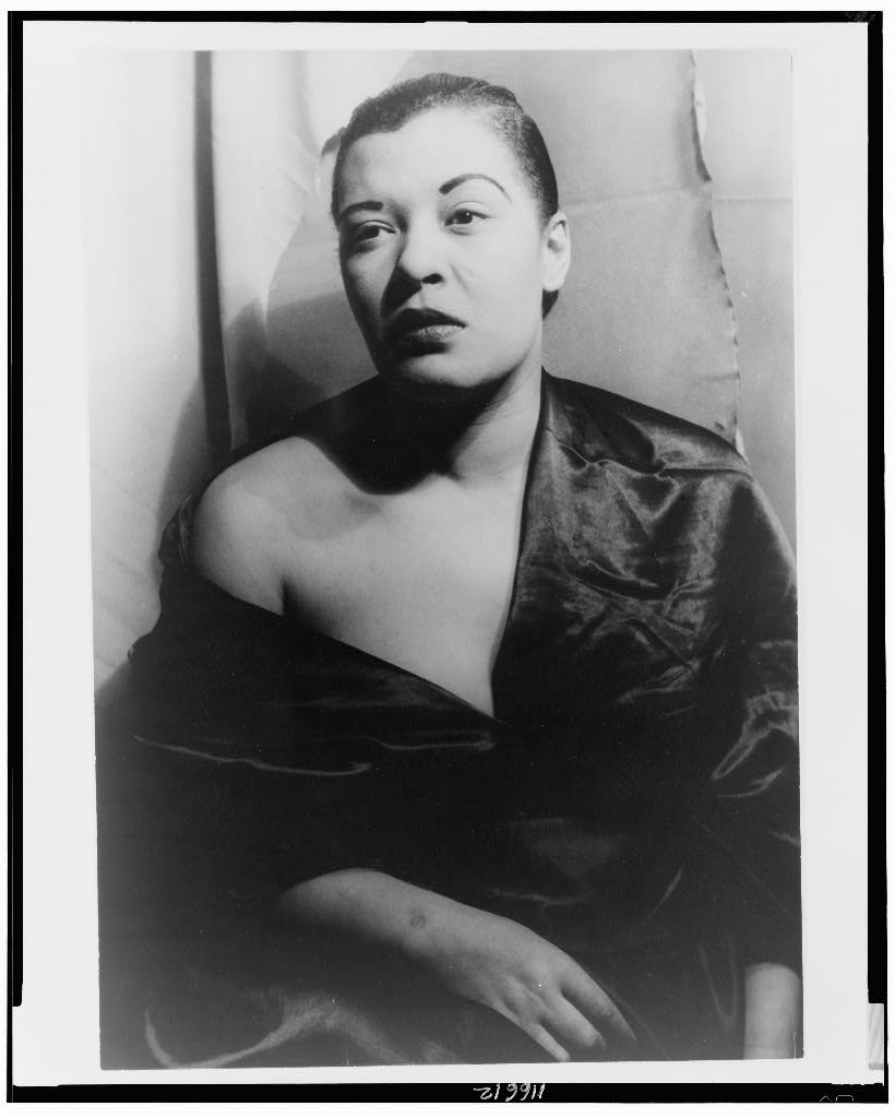 Bilie Holiday poses for Carl Van Vechten circa 1949. | Source: Wikimedia Commons