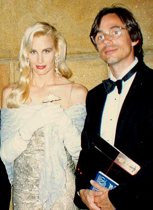 Daryl Hannah and Jackson Browne at the 60th Academy Awards in 1988 | Source: Wikimedia Commons/Alan Light